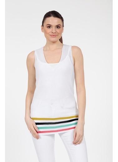 Vitrin Etek Ucu Çizgili Triko Bluz Beyaz